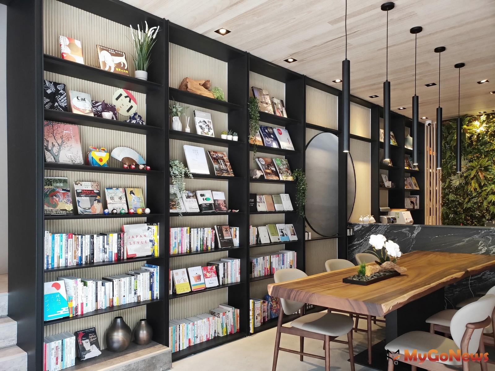 「遠雄晴川」打破接待中心純銷售空間,提供五百多冊書籍提供民眾免費閱覽(圖:業者提供) MyGoNews房地產新聞 熱銷推案