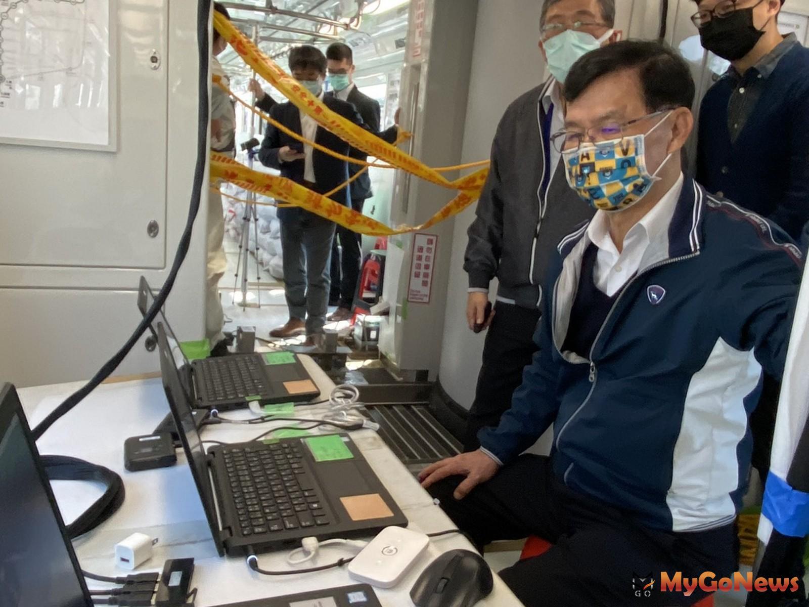 台中捷運電聯車已完成新軸心安裝及300公里測試,台北市副市長彭振聲赴台中了解作業情形(圖/台中市政府) MyGoNews房地產新聞 區域情報