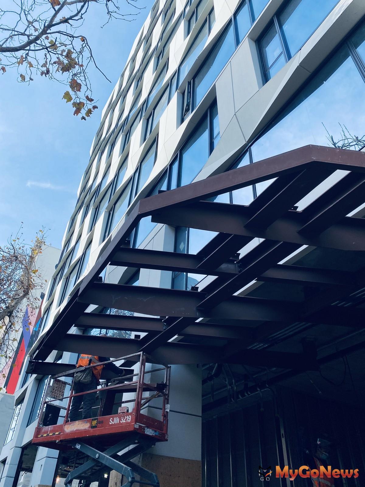 「尚芮公寓SERIF」在國內高資產族群中再度掀一波海外置產熱。 MyGoNews房地產新聞 熱銷推案