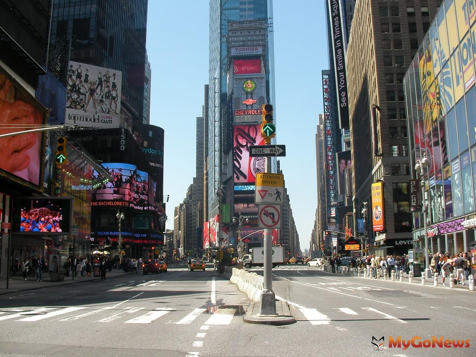 世界各國城市中軸大道都是豪宅聚落,美國紐約曼哈頓第五大道(Fifth Ave)兩旁周邊都是豪宅區(圖片來源/PxHere) MyGoNews房地產新聞 熱銷推案