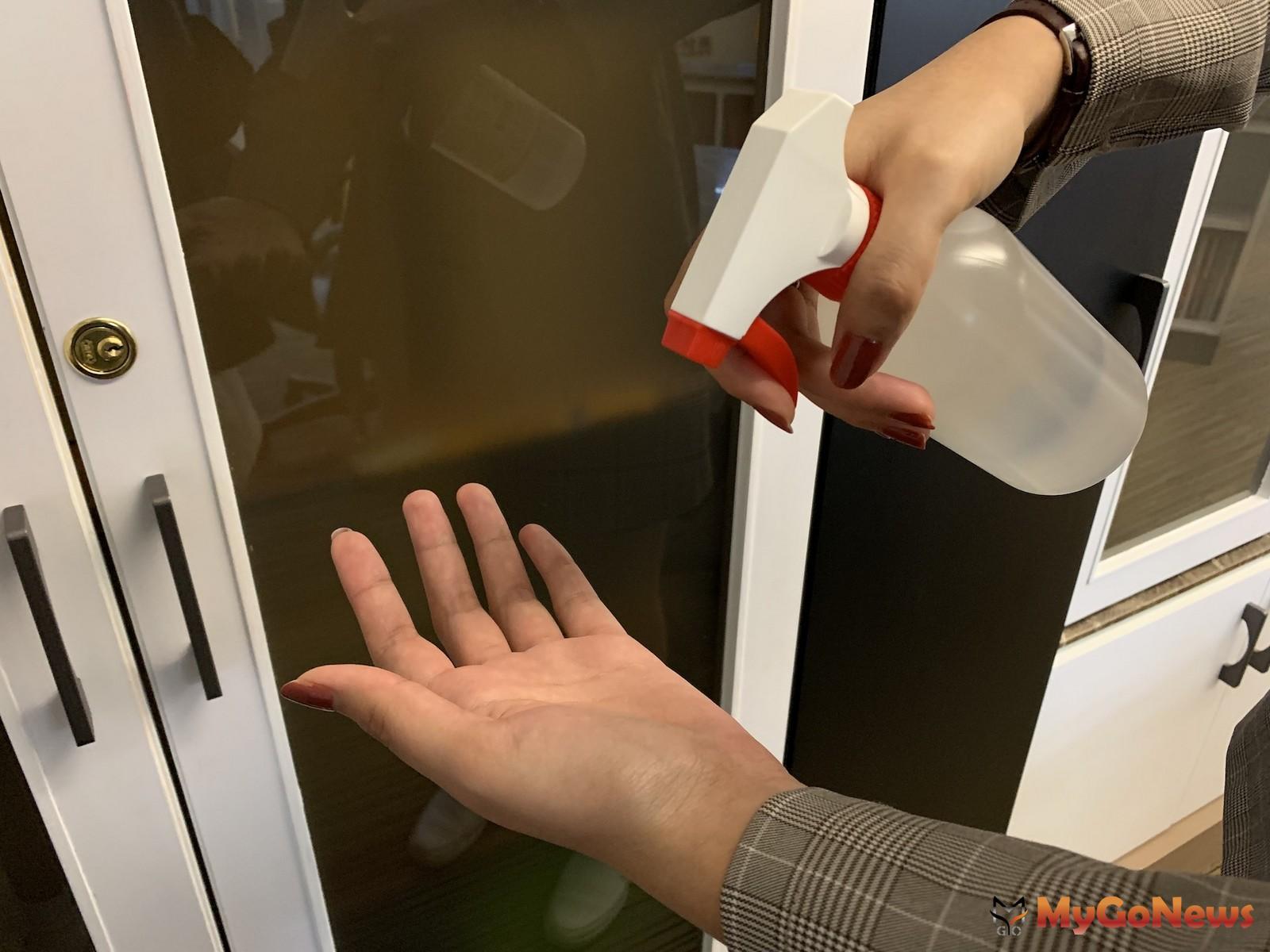 為了避免病毒與落塵進入家中,玄關的落塵區規劃變得更加重要。(圖/21世紀不動產) MyGoNews房地產新聞 安全家居