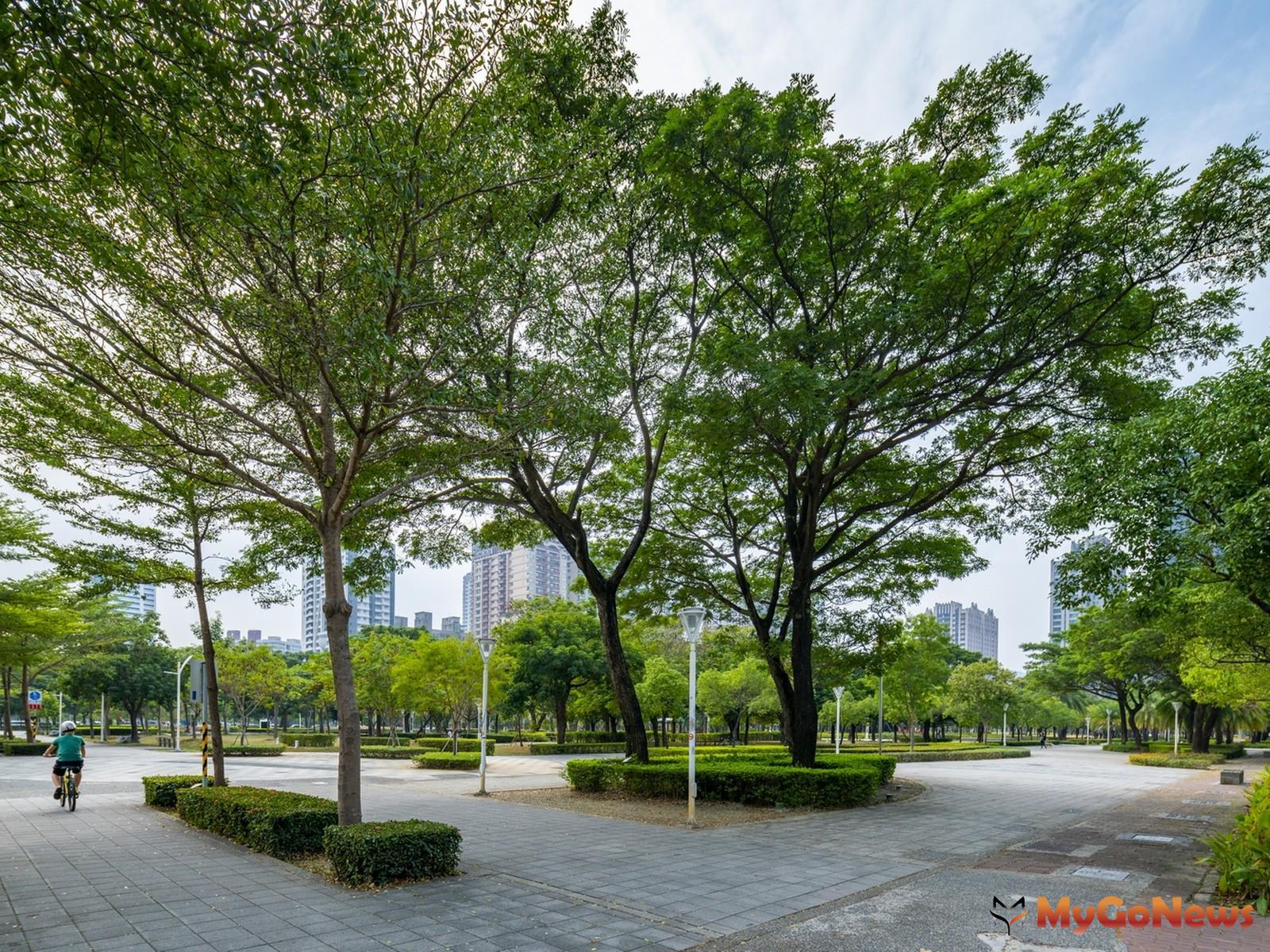 「J modern」,以正對明華國中及凹子底森林公園極致視野,打造出在商業機能發達捷運凹子底站商圈2~3房地標輕豪宅(圖/業者提供) MyGoNews房地產新聞 熱銷推案