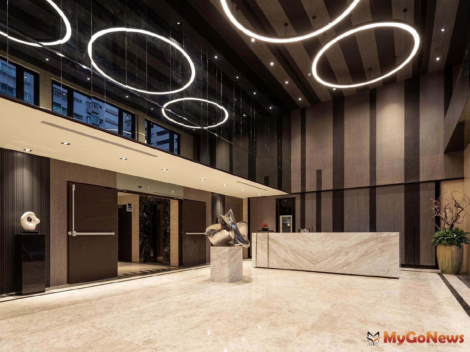 「陽明松疆」挑高7米藝術大廳(圖/業者提供) MyGoNews房地產新聞 熱銷推案
