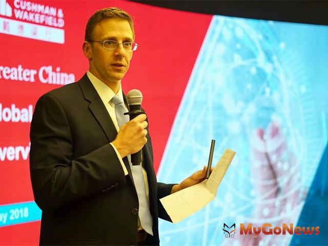 戴德梁行發布「全球資本市場回顧與展望」,圖為首席經濟學家、全球研究部主管Kevin Thorpe(圖:戴德梁行) MyGoNews房地產新聞 市場快訊