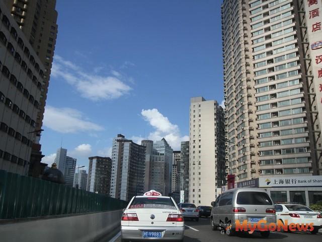 中國仲量聯行預計於2012年3月21日透過線上記者會對全球公布最新研究報告《中國50大新興城市》。 MyGoNews房地產新聞 Global Real Estate