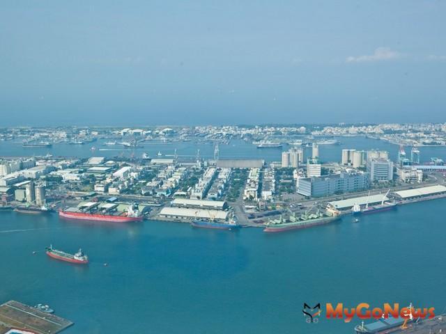 高雄舊港區活化開發,讓民眾可以親近港區並了解港口營運。 MyGoNews房地產新聞 市場快訊