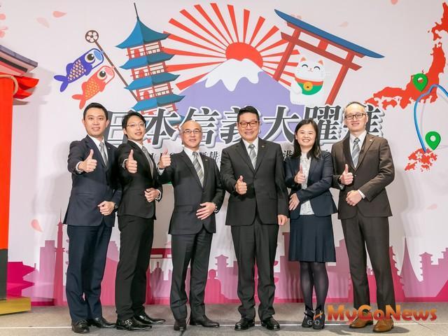 (左三)日本信義何偉宏社長與信義房屋馮其義副總經理(右三)為日本信義新增香港據點,創新服務品牌SJ_HOME品牌贊聲 MyGoNews房地產新聞 Global Real Estate