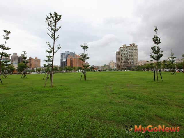 區段徵收區內之公園綠地將與公28公園、八仙公園、國泰公園等連成18.2公頃的河岸綠地,結合藝術、人文及自然景觀。(圖為示意) MyGoNews房地產新聞 區域情報