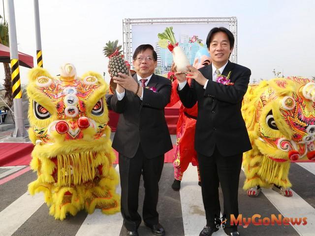 賴清德表示,九份子重劃區佔地101公頃,是台灣第一個低碳示範社區,價值不輸台北101大樓(圖:台南市政府) MyGoNews房地產新聞 區域情報