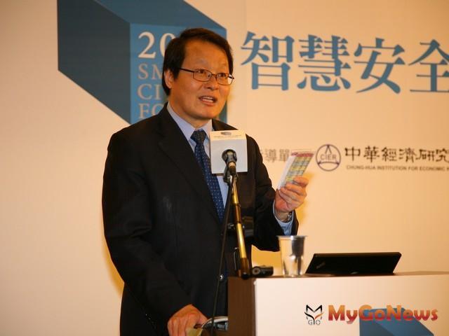 蕭家淇指出,智慧型城市的建立需要民間與政府一同合作。(圖片提供:台中市政府) MyGoNews房地產新聞 市場快訊