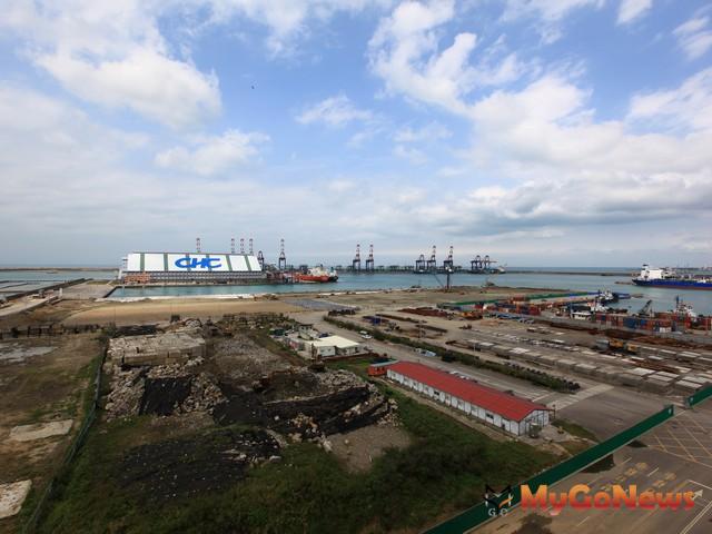 台北港可發展自由貿易港區,將爭取成為北部「自由經濟示範區」。未來除拚招商,並設置綜合娛樂園。 MyGoNews房地產新聞 市場快訊