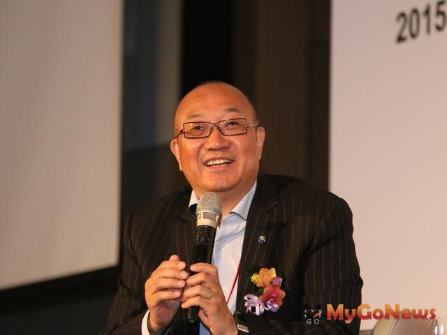 馮侖笑說:「如果我撤了,那台灣豈不是太悲慘了嗎?所以沒有這回事。」 MyGoNews房地產新聞 市場快訊