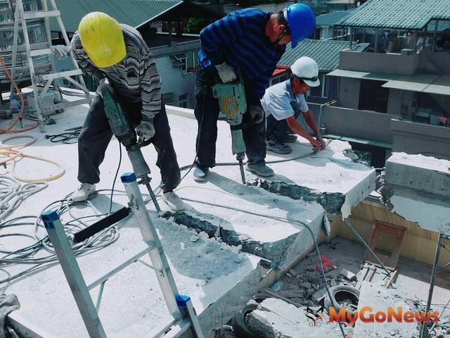 北市建管:為維護居住安全,6月15日起強力執行拆除,屋頂增建第2層或裝修隔出3個以上使用單元(圖:台北市政府) MyGoNews房地產新聞 區域情報