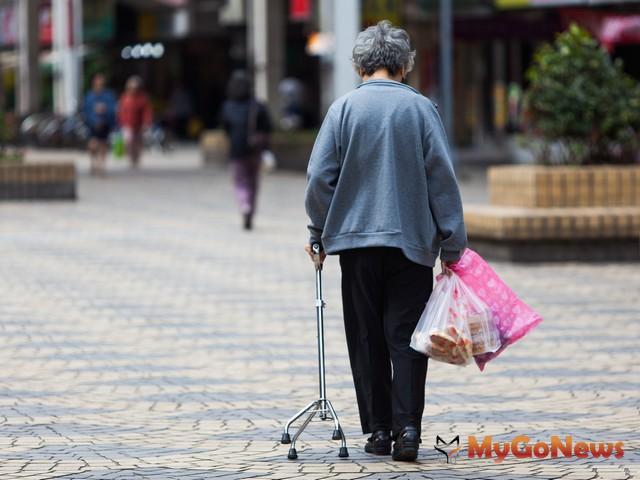 獨居老人能否順利以房養老影響生活保障性 MyGoNews房地產新聞 市場快訊