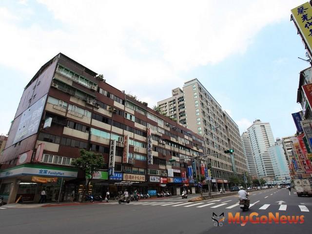 忠孝東路五段236巷華廈,24人搶標,溢價39.8% MyGoNews房地產新聞 市場快訊