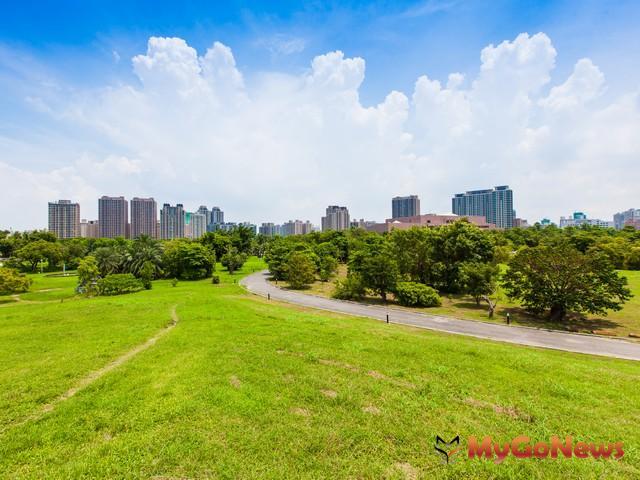 京城建設以每坪306萬標下美術館第一排土地,再創高雄新地王。 MyGoNews房地產新聞 市場快訊
