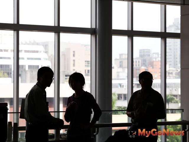 七合一選舉的干擾,造成房市負面影響,不排除會提前到2013年下半年開始發酵 MyGoNews房地產新聞 趨勢報導