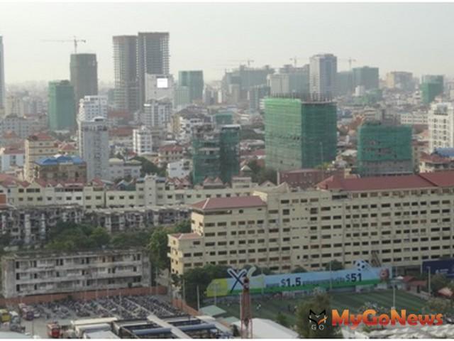 金邊房市大剖析,住屋需求持續上漲,柬埔寨金邊市正在改頭換面,高樓一棟棟拔地而起(圖:21世紀不動產) MyGoNews房地產新聞 Global Real Estate