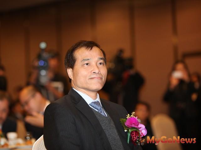 交通部長葉匡時表示,環保署2013年4月底將審查淡江大橋環境差異分析,進度並無落後。 MyGoNews房地產新聞 房市新焦點
