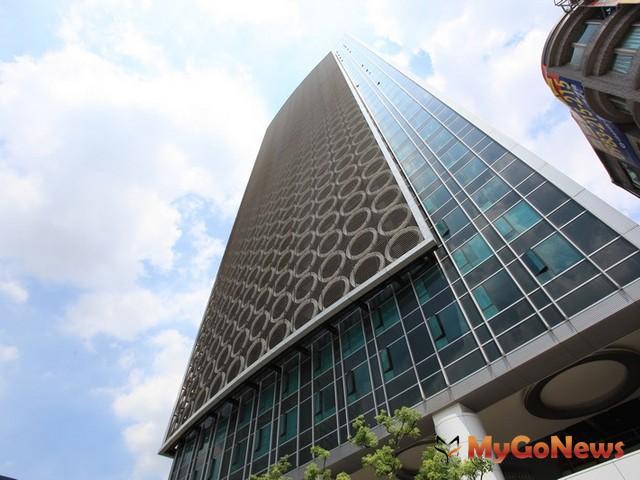 板橋林家委託第一太平戴維斯代為標售411坪道路用地容積,由許姓民眾等3人以每坪單價104萬元得標。 MyGoNews房地產新聞 市場快訊