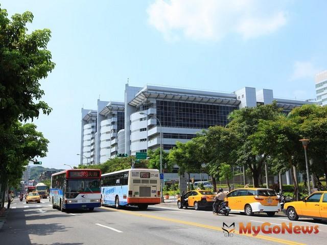 南港的工業區不少,但仍有以住宅為用途銷售的建案存在。 MyGoNews房地產新聞 市場快訊