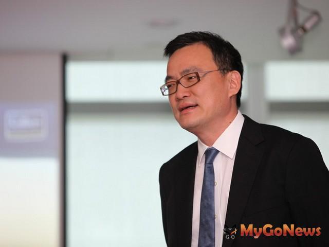 劉學龍表示,外資對台灣不動產於ECFA簽訂後興趣轉濃,特別是港資挾CEPA經驗,對於台灣不動產未來更是看好。 MyGoNews房地產新聞 市場快訊